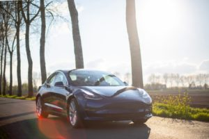 HoppyGo carsharing nabízí nově kompletní portfolio elektromobilů Tesla.